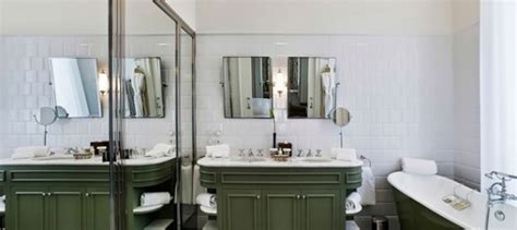 coloured bathroom suites are back in fashion topbathrooms