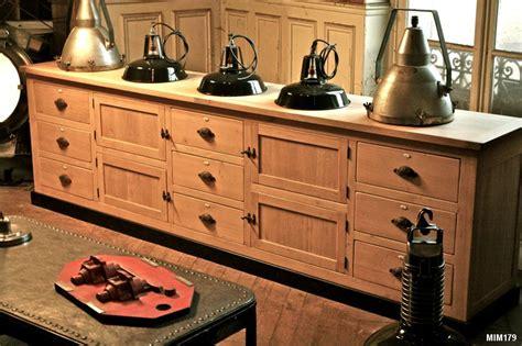 cuisine noir meuble de métier à rangements variés
