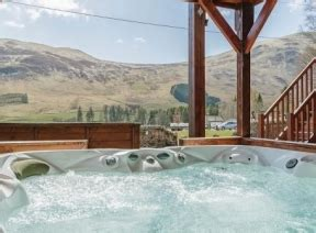 tub breaks in scotland scottish lodges and log cabins with tubs edinburgh