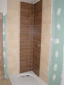 Modèle Salle De Bain : quelle couleur avec le carrelage de la salle de bain ~ Voncanada.com Idées de Décoration