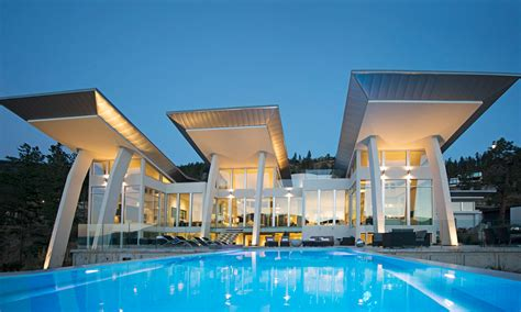 maison de justin bieber okanagan lake waterfront home with minimalist design idesignarch interior design