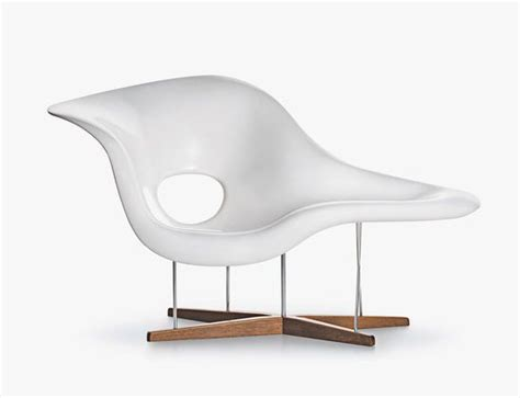 a la chaise la chaise s curvy elegance by charles and eames