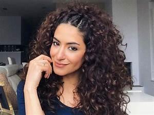 Coiffure Cheveux Courts Bouclés : coiffure cheveux boucl s long coiffure simple et facile ~ Melissatoandfro.com Idées de Décoration