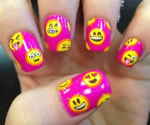 What s your fav emoji here how to wear it on nails