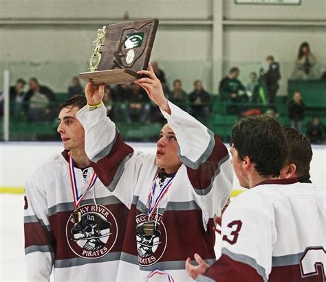 Rocky River High School hockey team will play in state ...