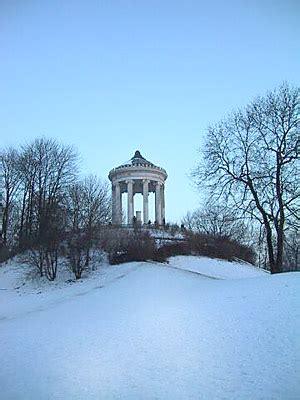 Englischer Garten Winter by Der Monopteros Im Englischen Garten In M 252 Nchen