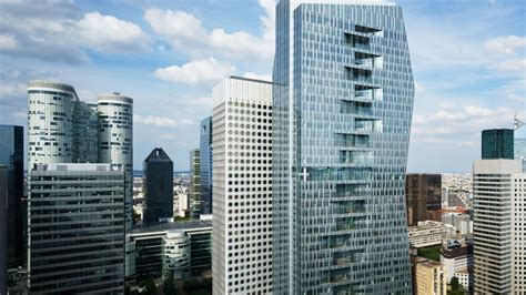 axa sinstalle dans la  majunga  la defense