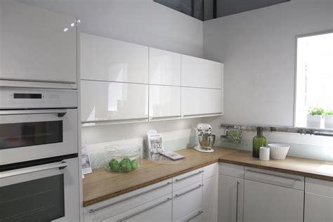 credence de cuisine cuisine blanc avec credence grise cuisine nous a
