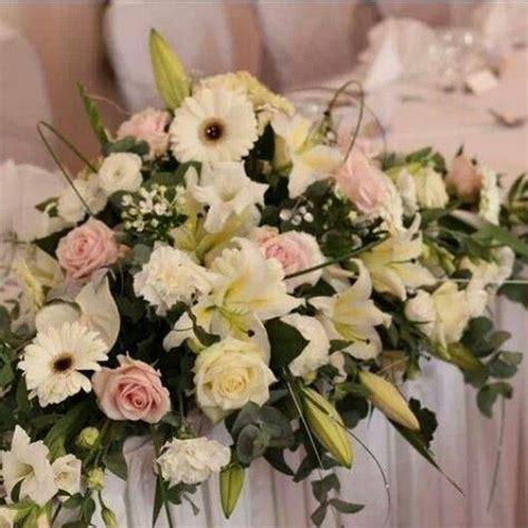 composition florale pour table dhonneur idee decoration