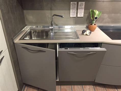 lavastoviglie sotto lavello cucina stosa cucine con maniglia moderno laminato