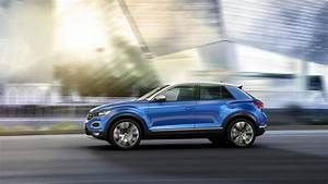 Volkswagen T Roc 2017 : vw t roc gets ready to rock europe as a stylish little cuv ~ Maxctalentgroup.com Avis de Voitures