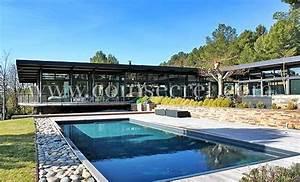 location d39une villa de vacances avec piscine pres d39aix With location villa aix en provence piscine 0 location magnifique villa contemporaine avec piscine pour