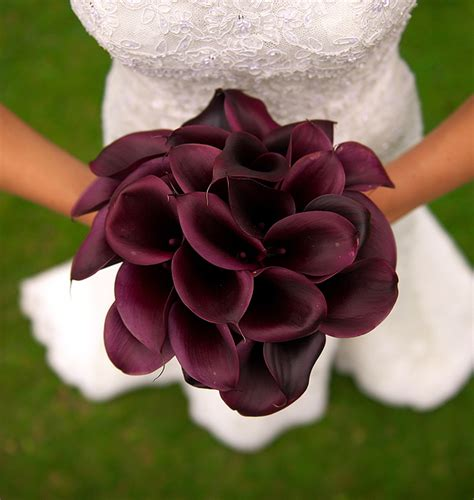 wedding lillies bridal flower gallery wedding flower pictures bridal bouquet photos wedding bouquet images