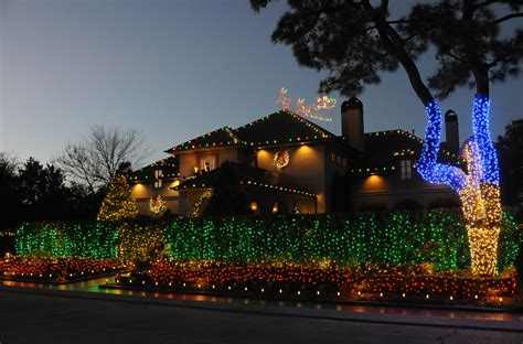 professional holiday lighting archives new orleans pest