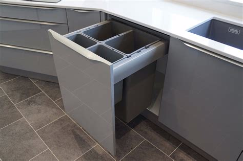 Kitchen Cupboard Bins by Ensure You Buy The Right In Cupboard Bin By Using Our