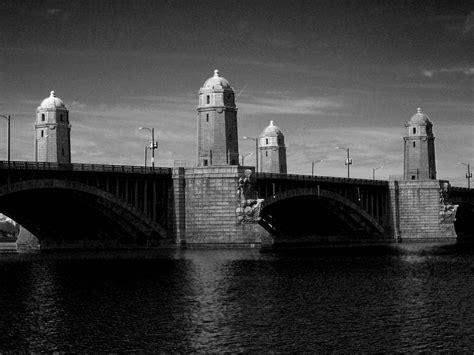 Longfellow Bridge (Salt and Pepper bridge) cross Charles ...
