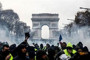 Rioting engulfs Paris as anger grows over high taxes ...