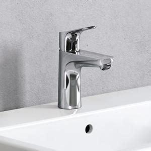 hansgrohe Focus Modern Widespread Easy Clean 2-Handle 3 5