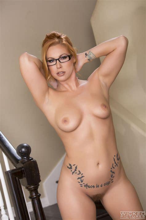 Gorgeous Blonde Lady Has Perfect Bushy Pussy Photos Edyn