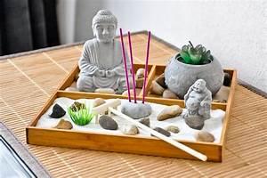 jardin dasie dinterieur un plateau de meditation deco With mini jardin zen interieur