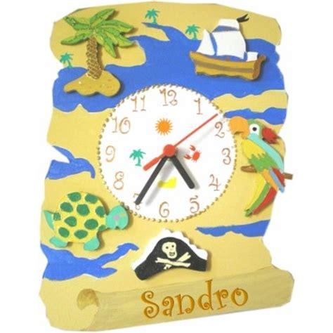 chambre d h e ile d ol駻on horloge enfant personnalisée carte au trésor billes de clowns