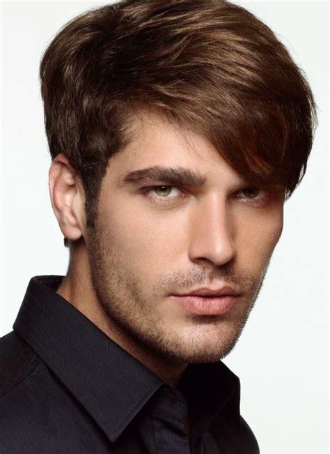 gaya rambut pendek pria undercut model rambut
