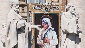Mother Teresa sainthood: Why those trending #FraudTeresa ...