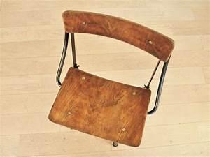Chaise Industrielle Vintage : chaise atelier biennaise vintage industrielle maison simone nantes ~ Teatrodelosmanantiales.com Idées de Décoration