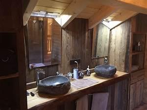 Salle De Bain Bois : int rieurs et meubles esprit chalet ~ Teatrodelosmanantiales.com Idées de Décoration