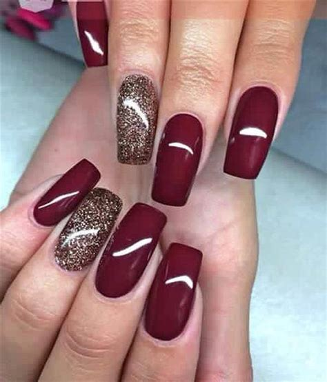 Because painting your nails is the perfect quarantine activity. Unhas de gel decoradas 2020: modelos lindos, fotos