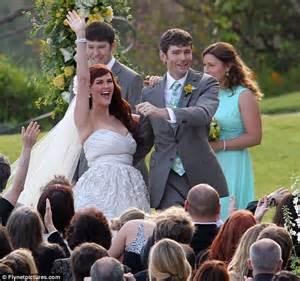 beautiful bride sara rue  radiant