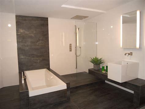 Moderne Badezimmer Fliesen Höhe by Badezimmer Fliesen Modern Badezimmer Tomis Media