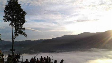 potret negeri  atas awan lebak banten tempat wisata