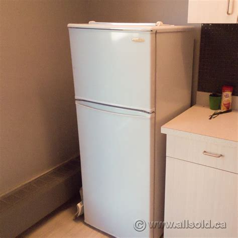 Apartment Size Refrigerator With Freezer by Danby White 8 8 Cu Ft Apartment Size Refrigerator Fridge