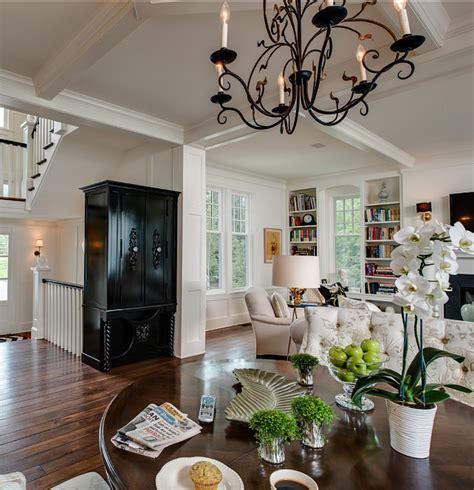 coastal home with traditional interiors home bunch interior design ideas