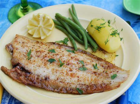 comment cuisiner une sole poisson à la meunière la cuisine classique a tout bon