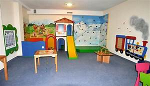 Haus Einrichten Spiel : kinderspielzimmer einrichten ~ Whattoseeinmadrid.com Haus und Dekorationen