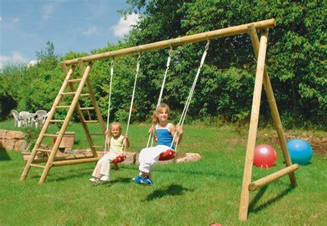 Leben Mit Kindern Spielgeraete Fuer Den Eigenen Garten by Schaukel Kinder Garten
