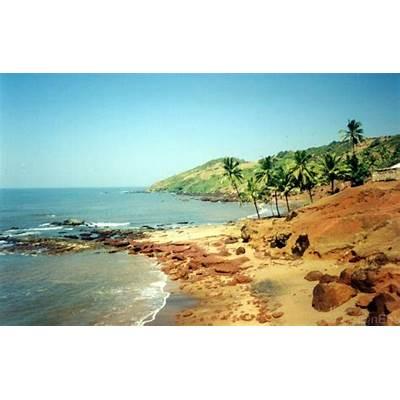 Travel Guide to Anjuna Beach Goa