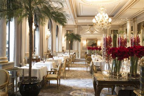 hotel a deauville avec dans la chambre dîner gastronomique d 39 anniversaire au restaurant le cinq