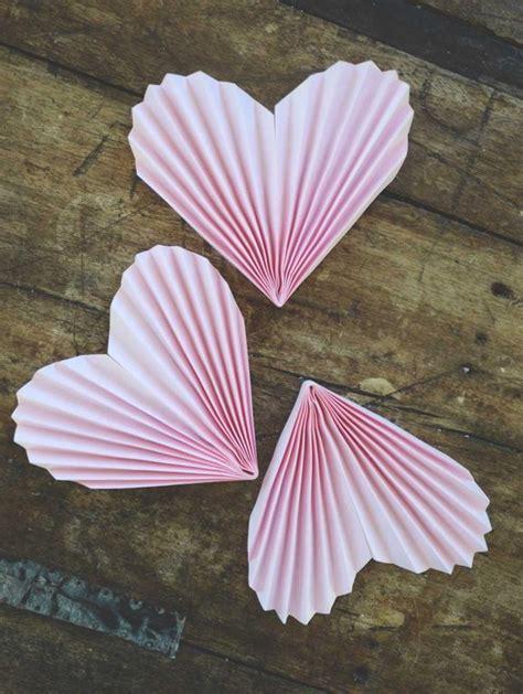geburtstagskarte basteln aus papier herzgirlande aus papier basteln dekoking diy bastelideen dekoideen zeichnen lernen