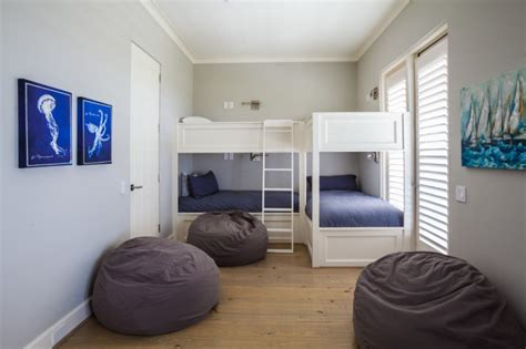 Bedroom Style For Small Spaces by Magnificently Cool Guest Beds For Small Spaces To Be