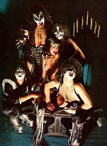 Kiss Alive 1975  The Hottest Band In The World