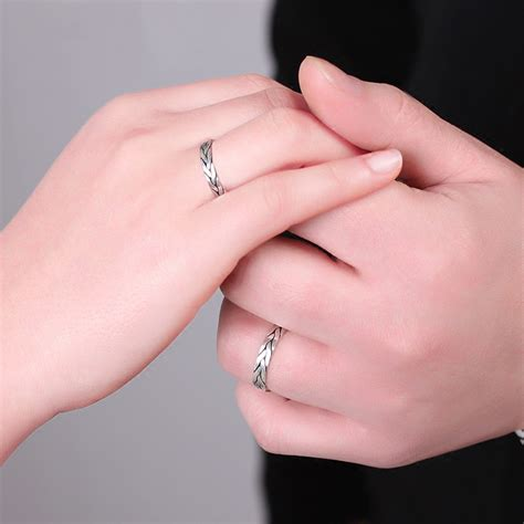 Simple Fine Workmanship s999 Fine Silver Hand-Woven Couple