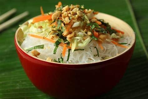 cuisiner vermicelle de riz recette de salade de vermicelle de riz au citron vert et à