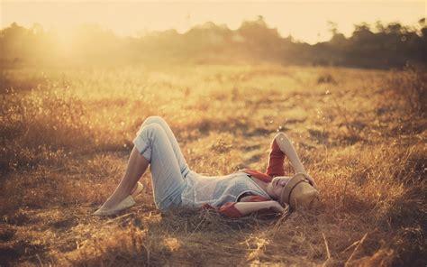 women, Lying Down, Sunlight Wallpapers HD / Desktop and ...