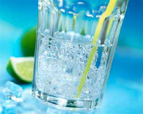 bicchieri americani acqua vince la regola degli 8 bicchieri gli italiani pi 249
