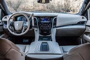 See the tech inside the 2018 Cadillac Escalade ESV