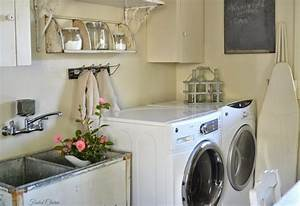 Vintage laundry room decor with vintage accessories