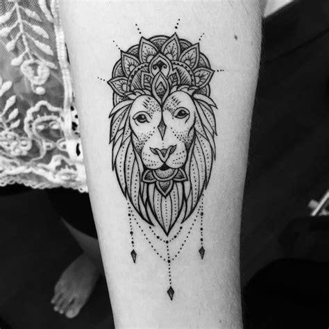 coole loewen tattoo ideen zur inspiration tattoo